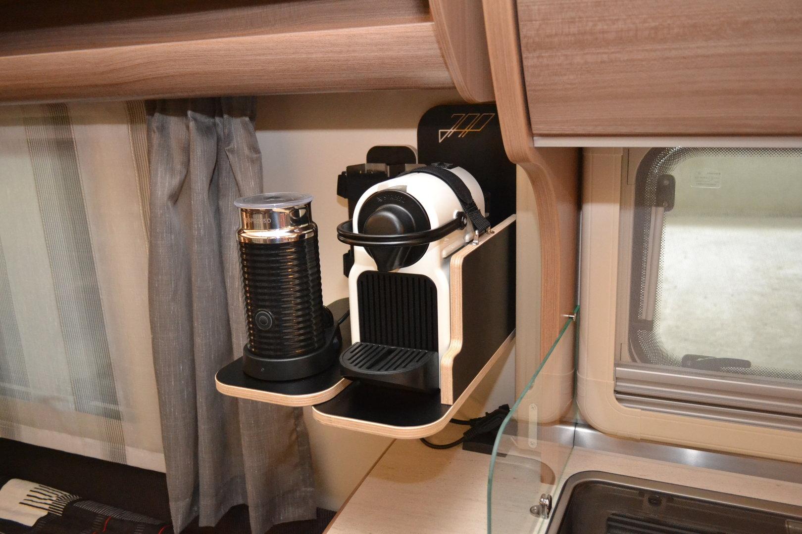 einbau halterung nespresso kaffee maschine aeroccino. Black Bedroom Furniture Sets. Home Design Ideas